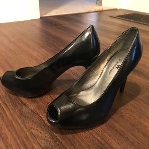 Black Worthington peep toe pumps. Good condition!